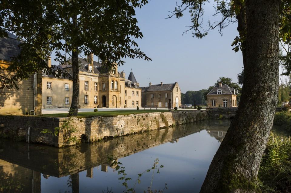 Le Château du Faucon à Donchery