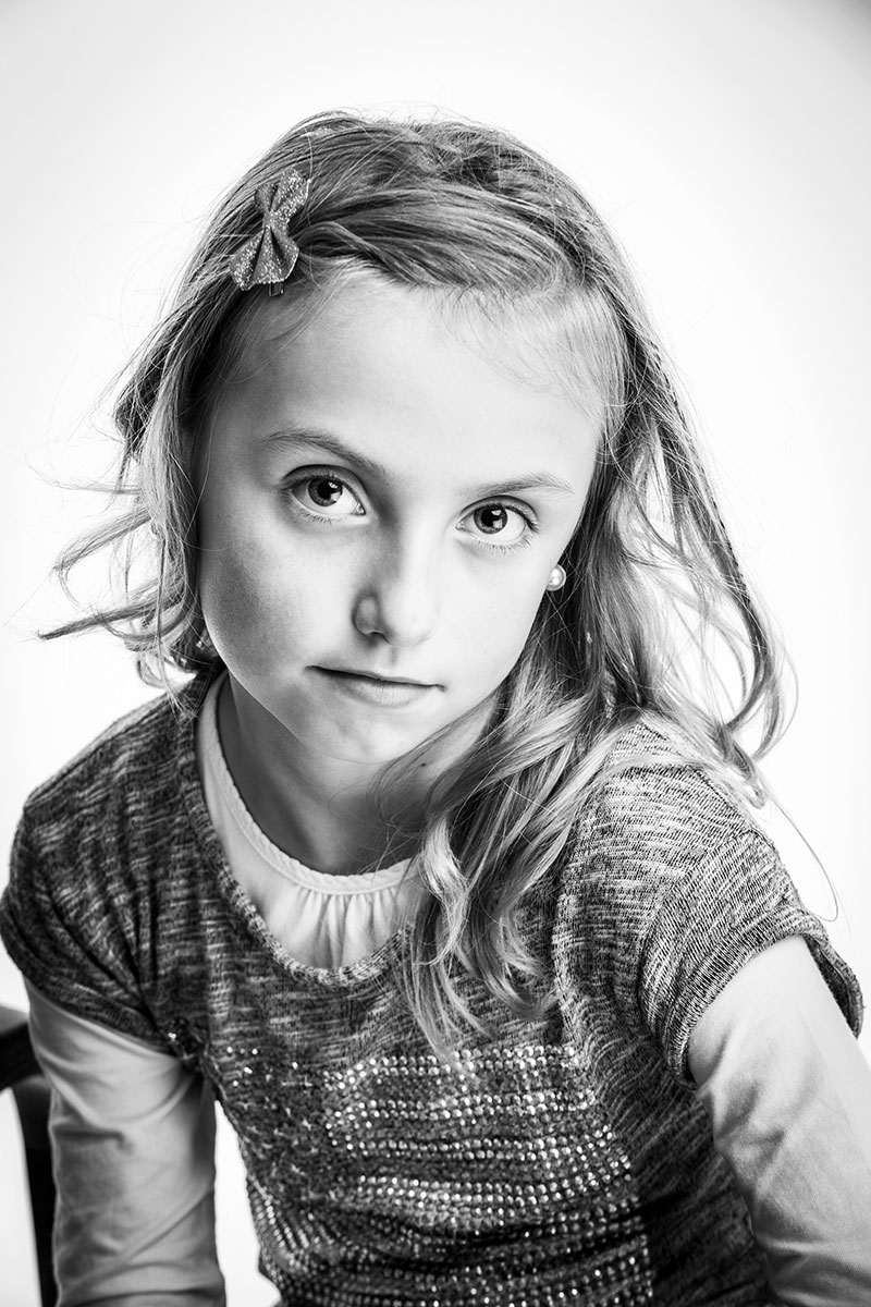 photo studio portrait adolescent enfant noir et blanc