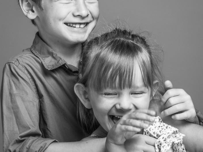 portrait photo noir et blanc studio frere et soeur lorraine