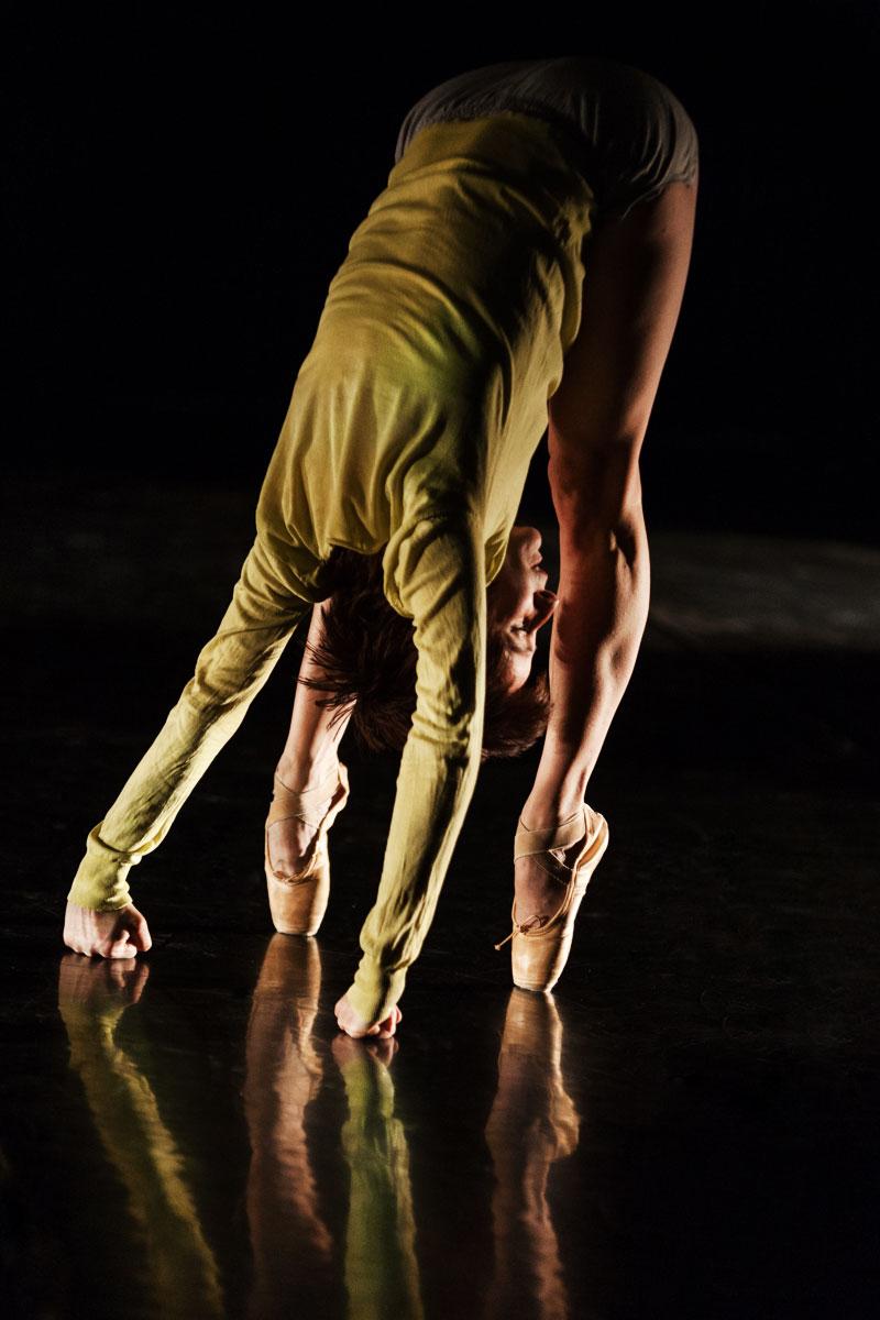 photo danse contemporaine femme pointes agrapart