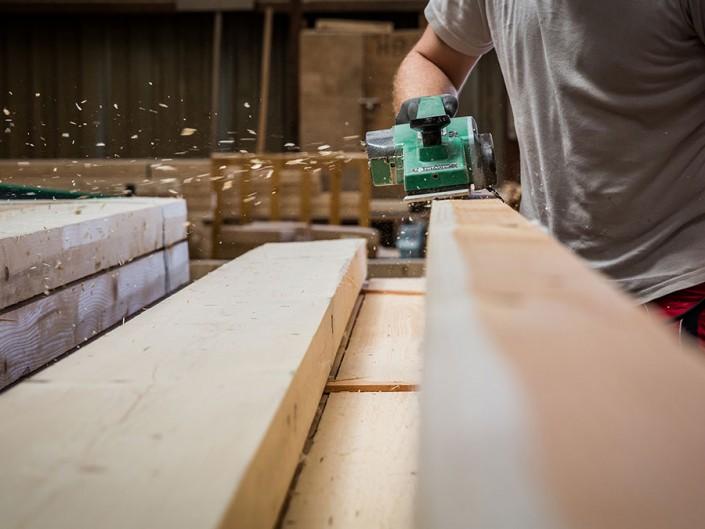 photo ouvrier reportage industrie martin charpentes bois toul