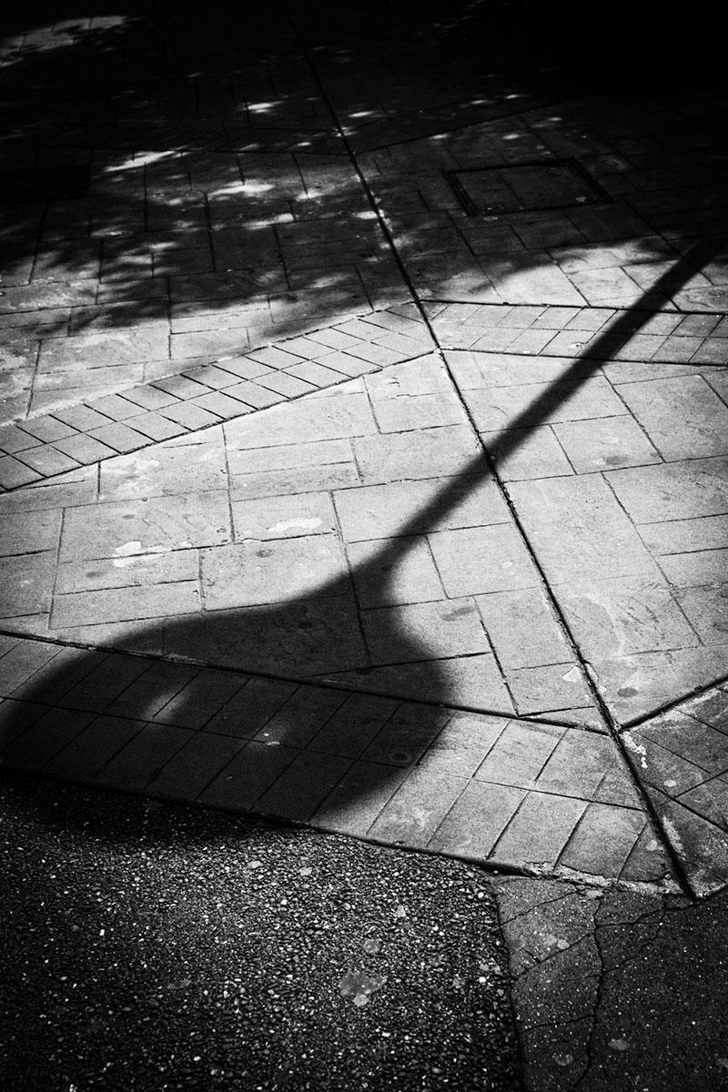 street photography photo de rue noir et blanc metz ombre