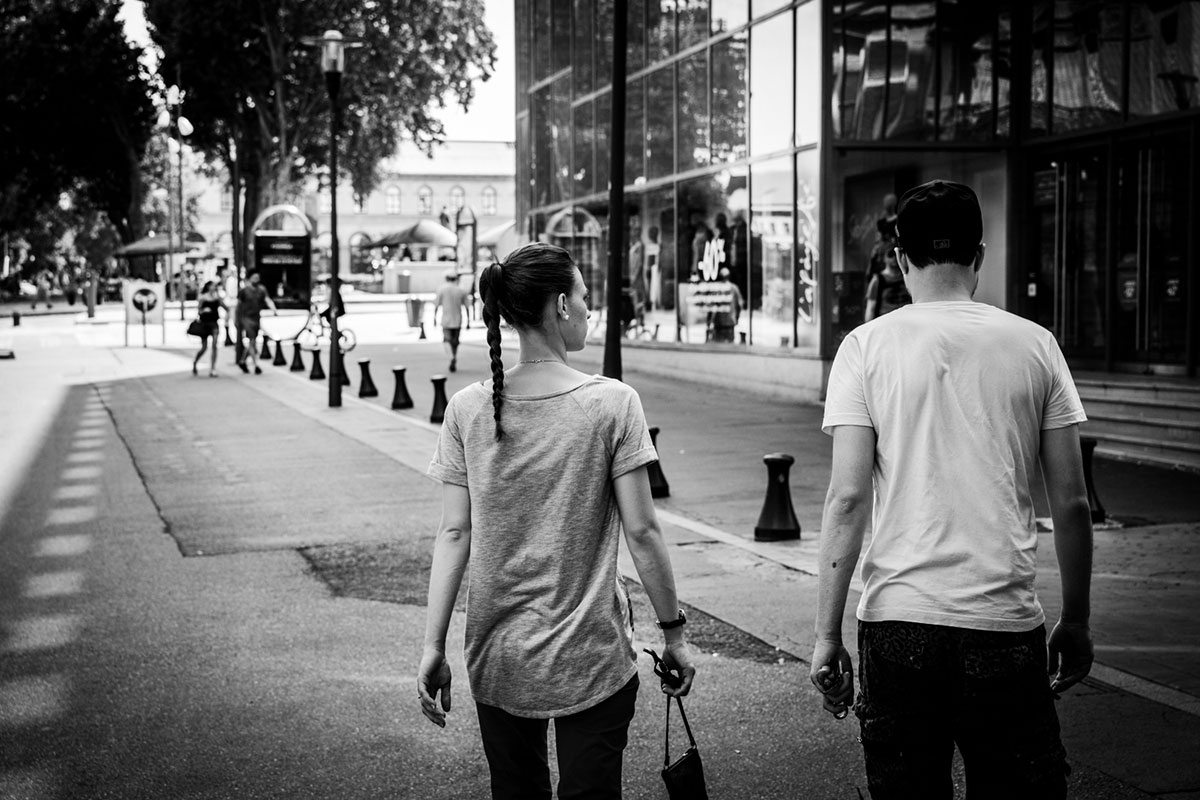 street photography photo de rue noir et blanc metz couple