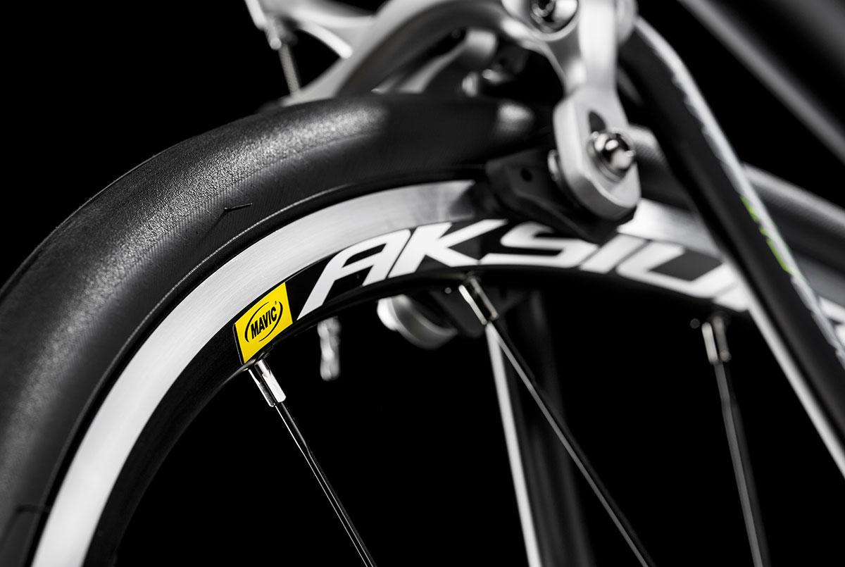 photo catalogue produit vélo studio marque cycles Lapierre Mavic