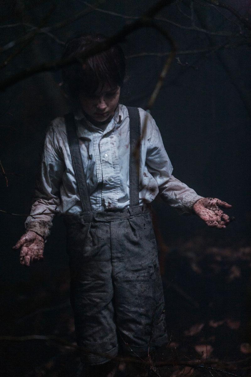 photo théâtre mise en scène castellucci cesana enfant dans les bois
