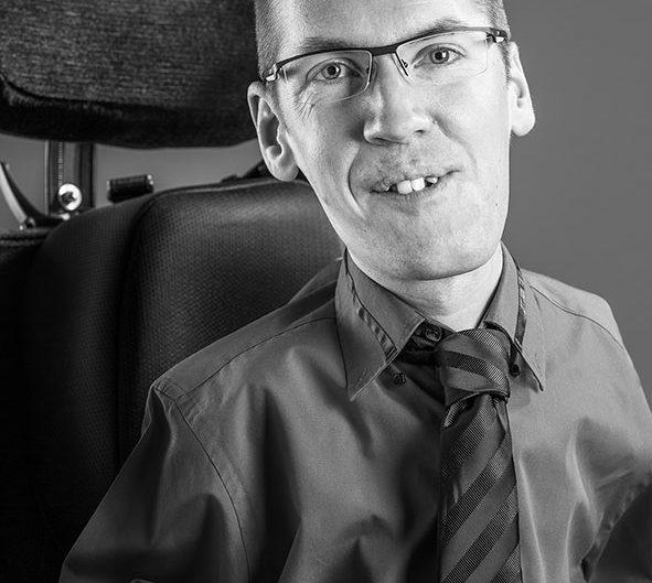 portrait studio corporate homme handicapé lorraine