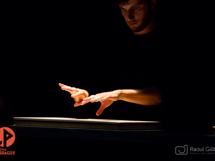 groupe 42 du Théâtre National de Strasbourg, festival ecoles de passages de metz, photo de theatre